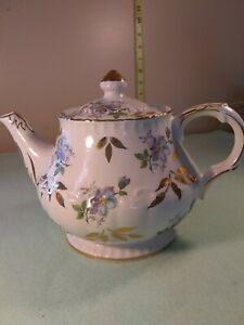 Ellgreave-england-teapot-6-cup-485-genuine-ironstone-hand-painted-22-karat-gold