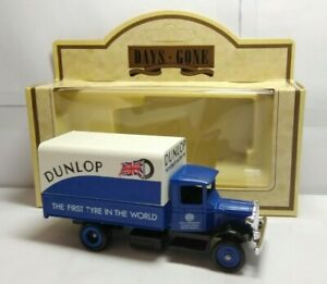 LLEDO-DAYS-GONE-1934-MACK-CANVAS-BACK-TRUCK-DUNLOP-TYRES-28004-BOXED