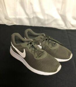 Nike Tanjun Mens 812654-311 Green Cargo