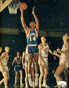 Oscar-Robertson-JSA-Coa-Hand-Signed-Vintage-8x10-Photo-Autograph