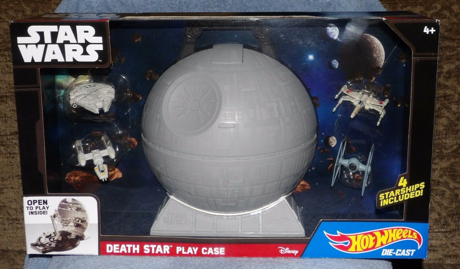 HOT WHEELS STAR WARS DEATH STAR PLAY VASE WITH 4 STARSHIPS DIE-CAST