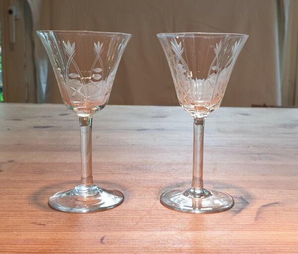 2 Alte Gläser Biedermeier, Gründerzeit, Geschliffen Mit Einem LangjäHrigen Ruf