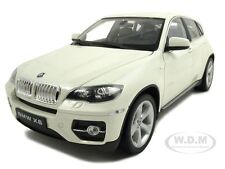 2011 2012 BMW X6 WHITE 1:18 DIECAST MODEL CAR BY WELLY 18031