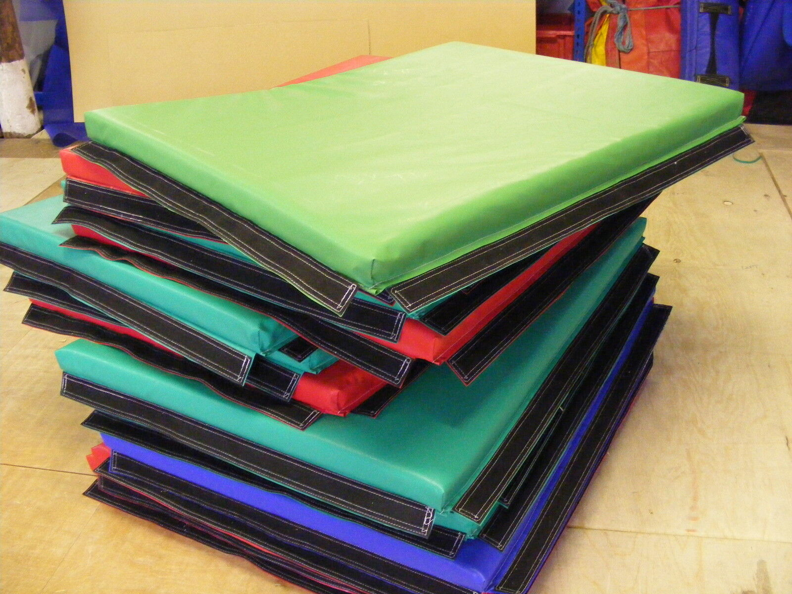 6 x  Quality Soft Play Mats 3 ft x 4ft x 2 inApprox velcro together  ideal hireF