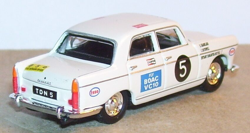 UNIVERSAL HOBBY ... ... ... uguale a NOREV IN METALLO HO 1/87 PEUGEOT 404 BERLINA RALLY 073dad