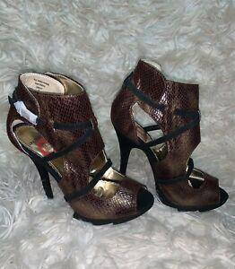 Women-high-Heels-by-Red-Circle-Size-8-snakeskin-Metallic