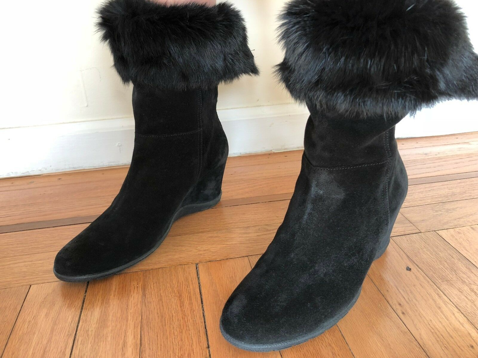 AQUATALIA Womens Boots size 8.5 Black Suede Leather Wedges Rabbit Fur Lining