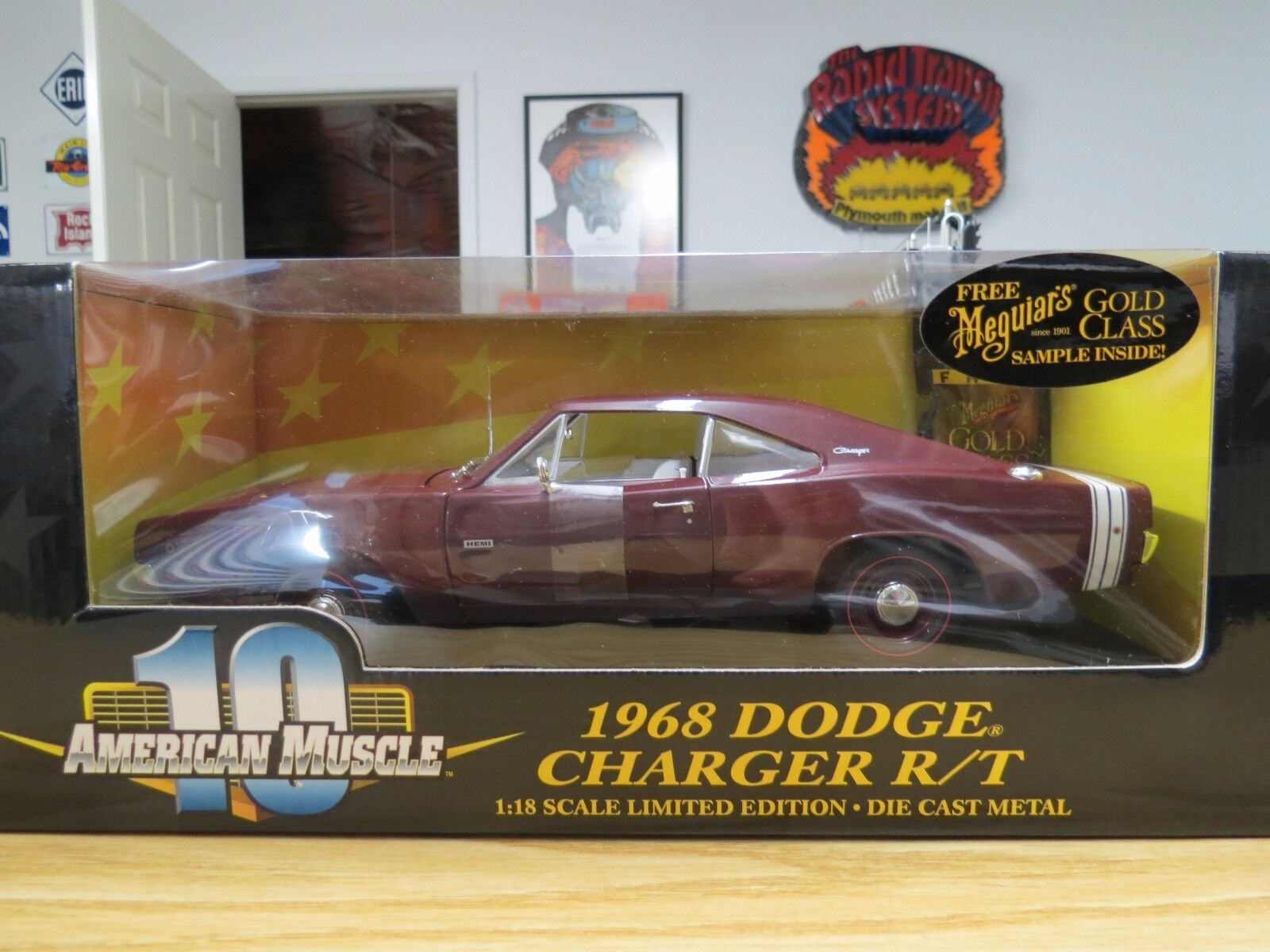 Ertl 1968 Dodge Burgundy Hemi Charger  R T , 1 18 Scale, W  Meguiar's Wax , nouveau  design unique