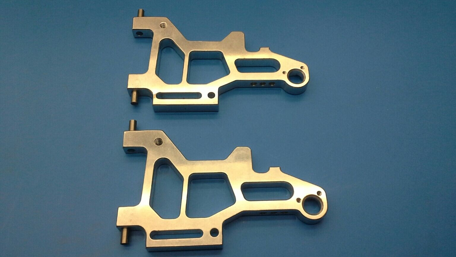Genuine Lauterbacher rear-lower wishbones for Lauterbacher l 3 mega-sprint