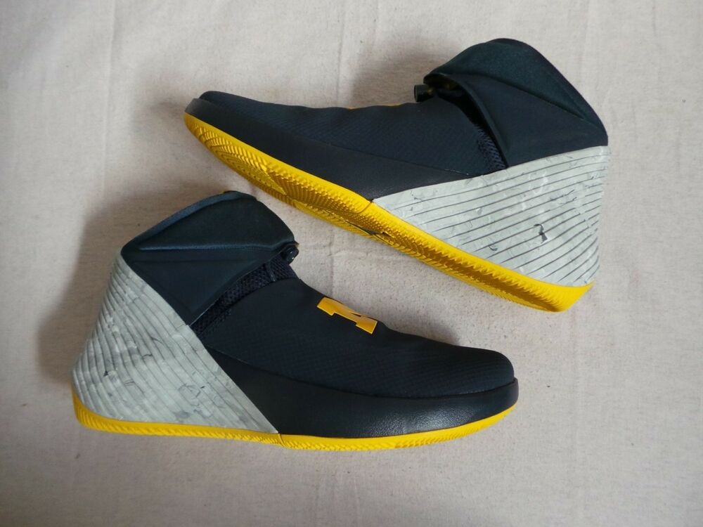 Nike Air Jordan Why Not WOLVERINES Russell MICHIGAN Westbrook MICHIGAN Russell e144d2