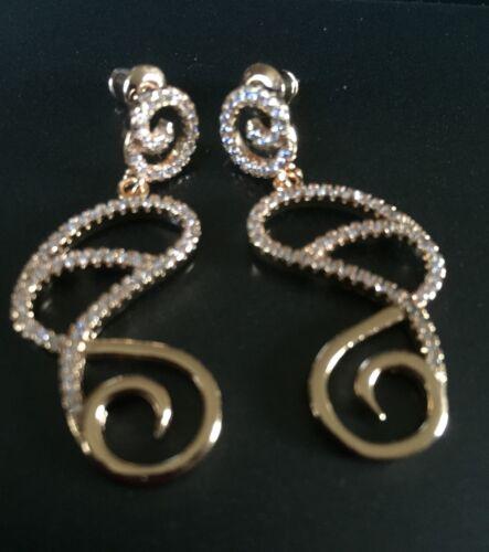 Diamantes 18ct Oro GF Ciruela Reino Unido En Caja Un diseñador Inspirado en Art Nouveau Pendientes