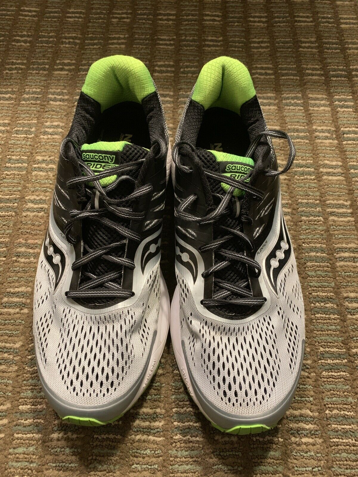 Saucony Ride 10 Men's Running shoes Size 12.5 Silver Green