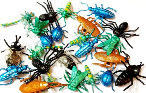 A 20pc Suction Cup Fake Insect Spider Funny Trick JOKE Party game Prank Gag Crap