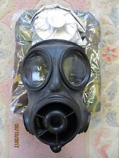 2004 BRITISH ARMY S10 GAS MASK (SIZE 2), VACUUM SEALED FILTER & NEW HAVERSACK!