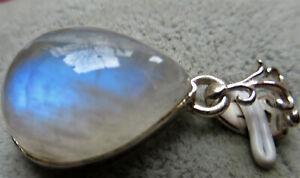 Anhaenger-3-2-cm-Mondstein-Silber
