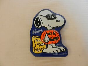 Whitman's Peanuts Snoopy Trick Or Treat Metal Tin For Candy, Trinkets EMPTY