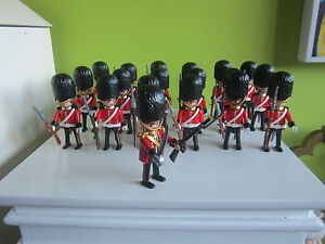Lot 19 Figurines Guards Queen England Playmobil