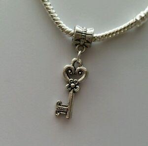 Antique-Key-Heart-Dangle-Bead-for-Silver-European-Bracelets-Or-Clip-On-Charm