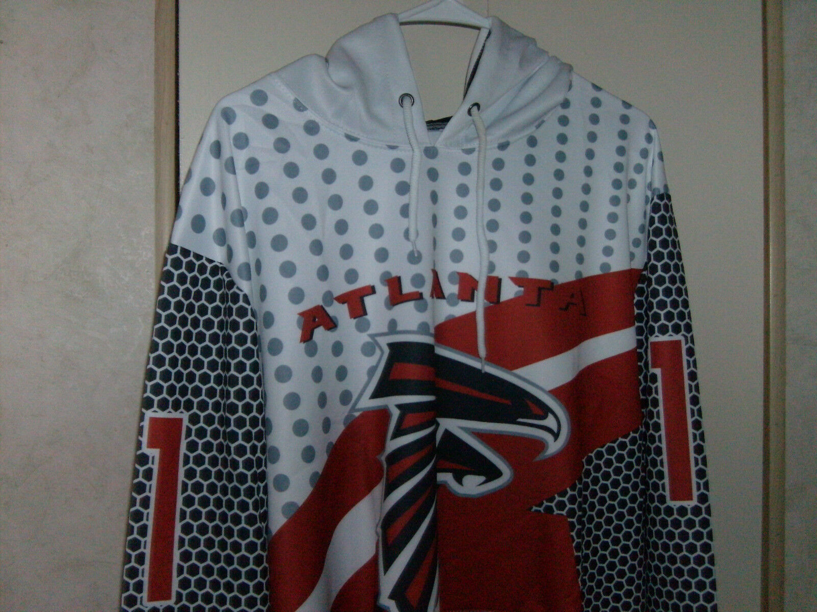 NFL Atlanta Falcons Womens 'Julio' Neat Hoodie Hand Pouch, Poly Cool  NWT