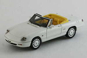 Alfa Romeo Spider 1990 - 4a Serie Open - 1 / 43ème Blanc Milena Rose