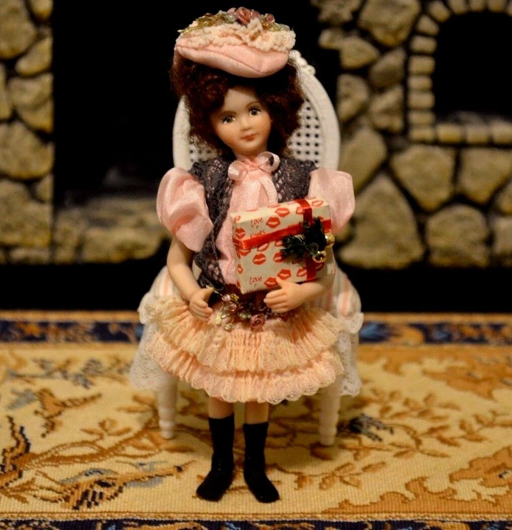Miniature Porcelain Doll Girl 1 12 Dollhouse