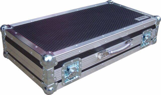 Etc Ion 2 X 10 Faderwing Lighting Desk Swan Flight Case Hex
