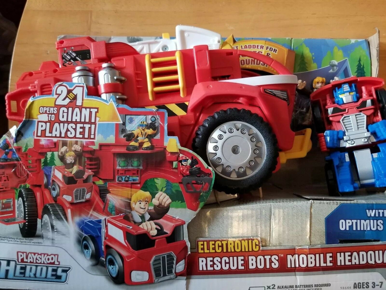 Playskool Transformers Rescue Bots Heroes Electronic Rescue Bots Mobile Headquar