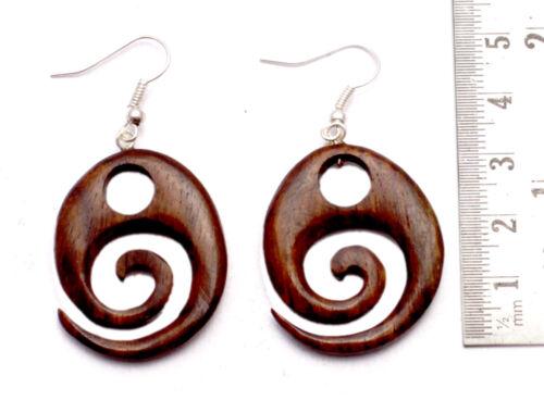 Une paire de handmade en bois Dangler de noix de coco USA Organic Boho Noix De Coco Bois Boucles d/'oreilles