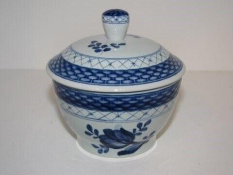 Porcelæn, Tranquebar  Sukkerskål med låg,