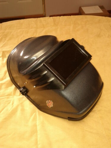 Chin Act 100/% CLEAR VIEW Great for Grinding Welding Helmet Dark Before the Arc