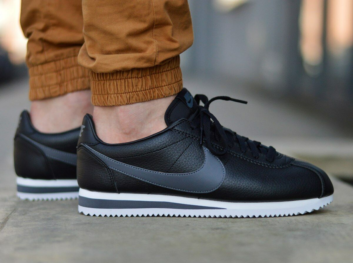 Nike Classic Cortez Leather 749571-011 Men's Sneakers Comfortable and good-looking
