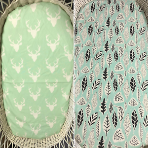Bassinet-Moses-Boori-Stokke-mini-cotton-fitted-sheet-mint-stag-head-feathers