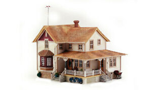 New-Woodland-HO-Structure-Built-amp-Ready-Corner-Porch-House-BR5046