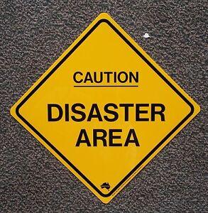 25 cm disaster area ACHTUNG katastrophen chaos gebiet  schild  BÜRO kinderzimmer