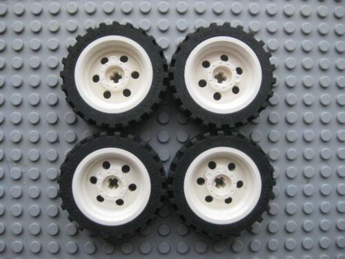 56904 // 56898 White Offset Tread LOT OF 4 Lego 43.2x14 Technic Wheels
