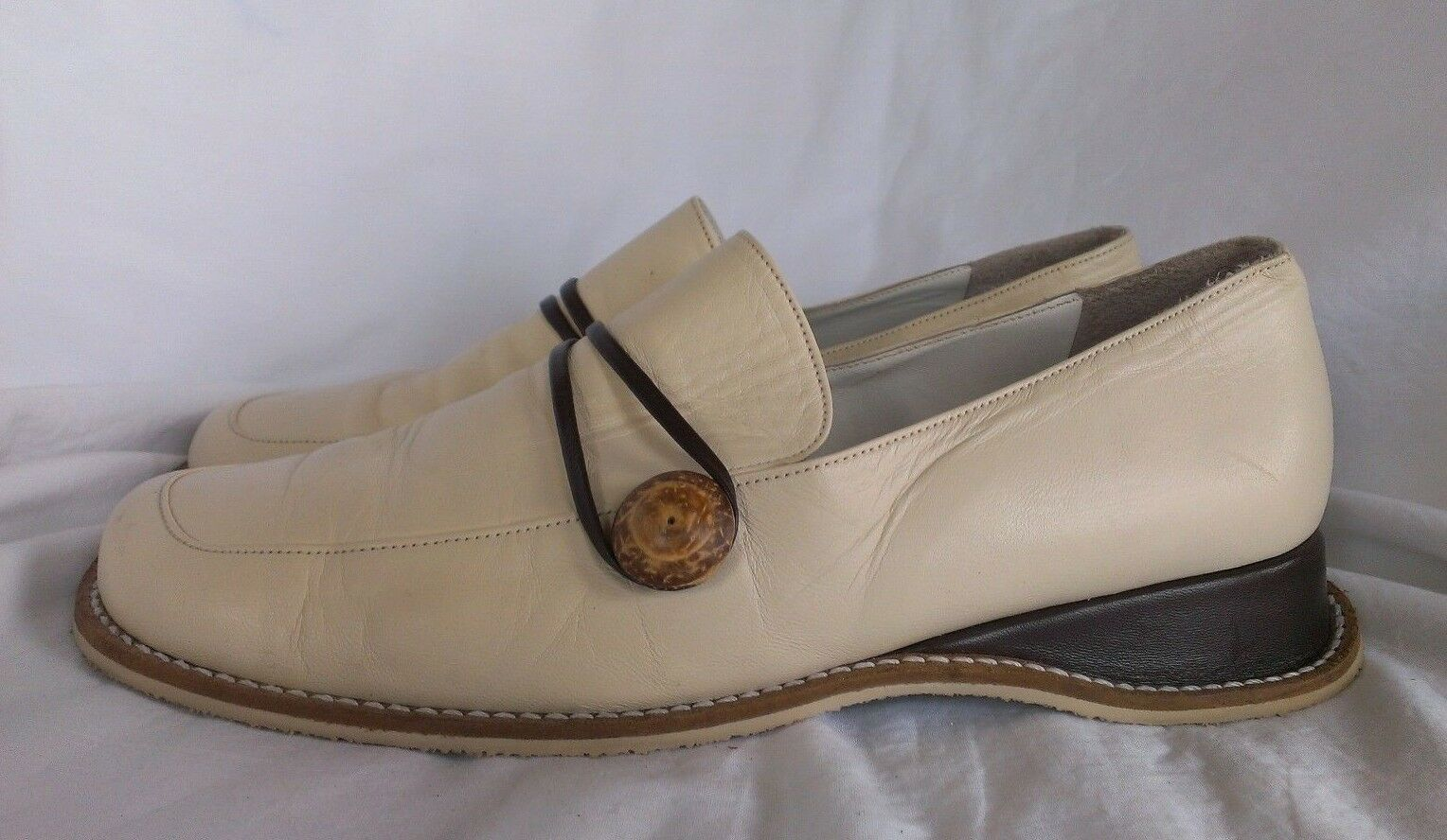Renouard Plancoet Wouomo Bone bianca Tan Wooden Button Loafers Dimensione 41 - US 10.5