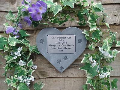 Personalised Cat Memorial Stone Heart with little Pawprints for Garden / Tree