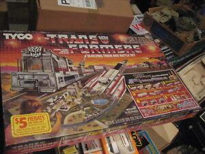 Ensemble de combat et train électrique Vintage Tyco Transformers # 7430 / plume / scellé