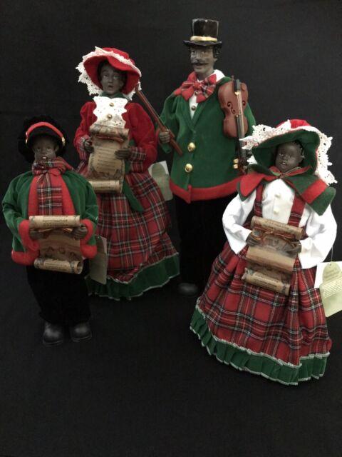"NEW Raz 18.5/"" Red and Brown Plaid Caroler Family Christmas Figures 3700772"