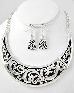 Cowgirl-Bling-Shiny-Silver-Engraved-Metal-Swirls-Bib-Necklace-Set