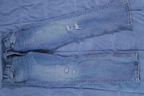 Levi Jeans womens W26 boyfriend cut ripped