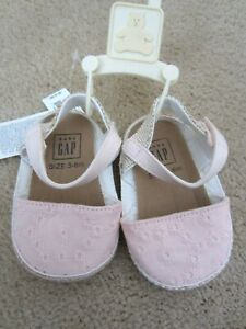 NWT-BABY-GAP-GIRL-039-S-SANDALS-CRIB-SHOES-PINK-EYELET-EASTER