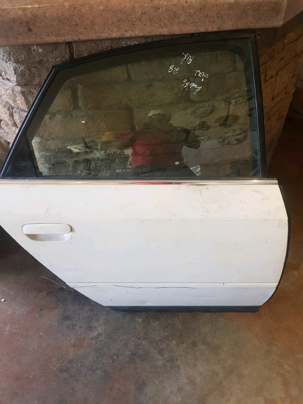 2000 AUDI A6 RIGHT REAR DOOR FOR SALE