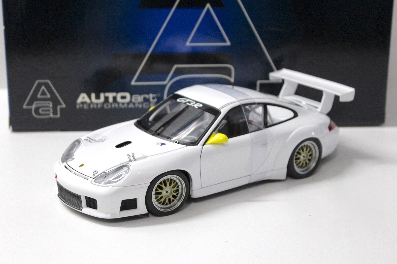 18 autoart porsche 911 (1996) gt3r schlicht körper weiße neue bei premium-modelcars