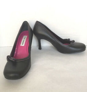 5939f3246a0 Steve Madden Women s Black Leather High Heel Round Bow Toe Pumps ...