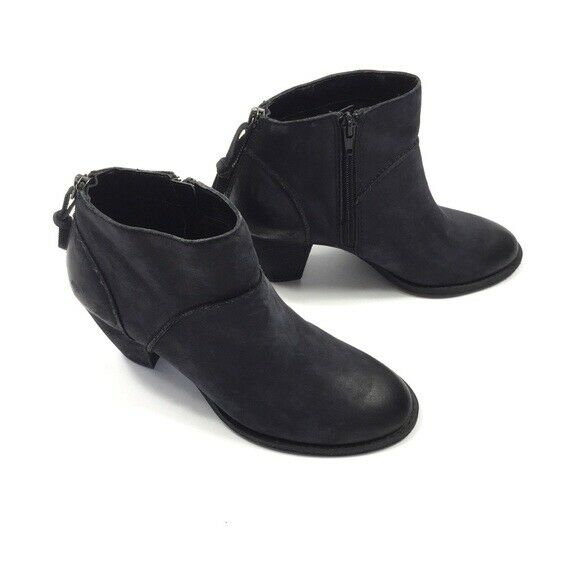 Tesori Boots Size 7 Black Ankle Boots