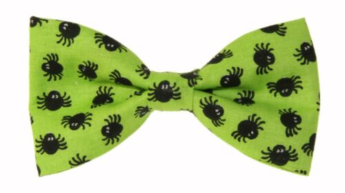 New Green With Small Black Spiders Clip-On Cotton Bow Tie - Halloween Bowtie