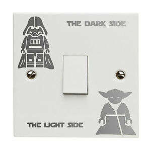 STAR-WARS-DARK-LUCI-INTERRUTTORE-Vinile-Decalcomania-Adesivo-KID-Room-lightswitch-ARGENTO