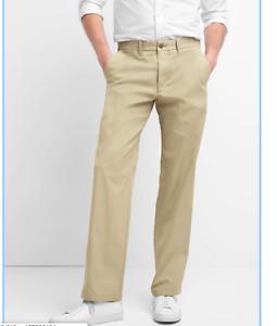GAP Original Khakis   Relaxed Fit Sz 33 x 30  40% Off