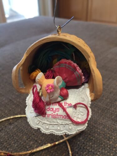 CARLTON ORNAMENT COUNTING THE DAYS 'TIL CHRISTMAS mouse needlepoint sewing baskt